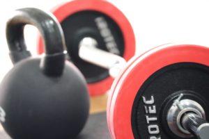 変形性膝関節症に筋力トレーニングは必要?